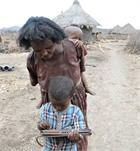 Ethiopian child uses tablet PC